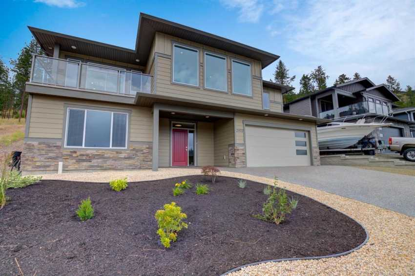 2566 Crown Crest Drive,, west kelowna, British Columbia